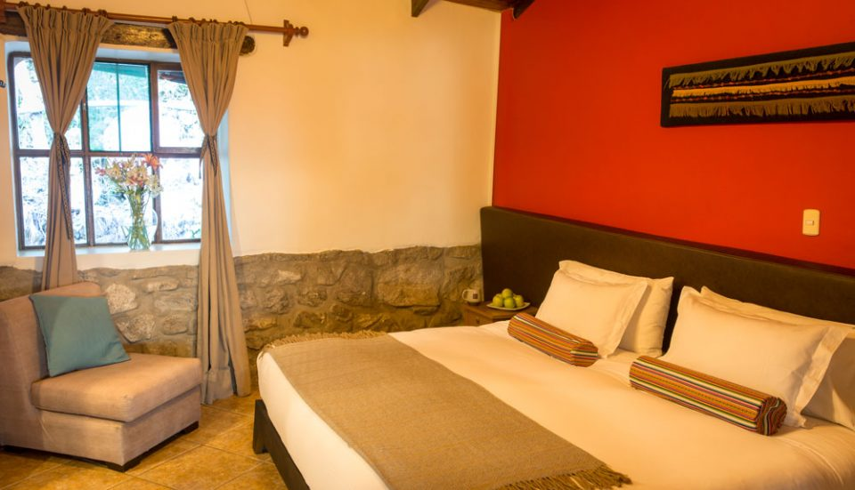King guest room at Lucma Lodge